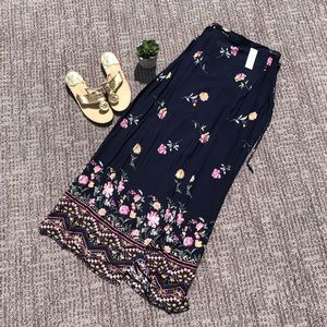Dresses & Skirts - Floral layer maxi skirt